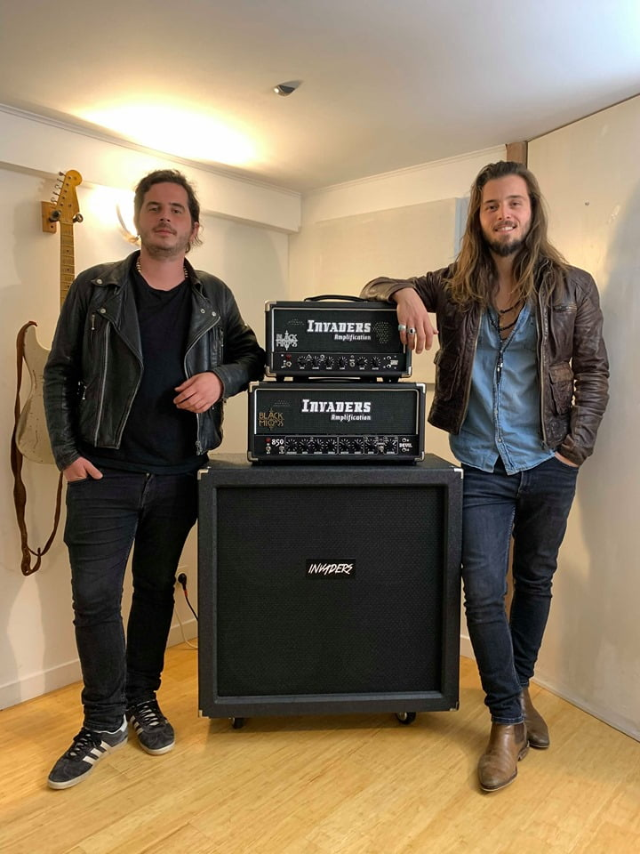 Black mirrors invaders amplification endorsement